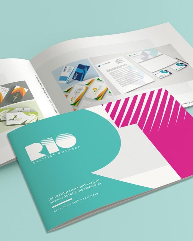 R10 Grafisch Ontwerp brochures mockup